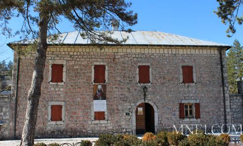 Индивидуальная экскурсия Монтенегро тур Ловчен Цетинье русский гид в Черногории