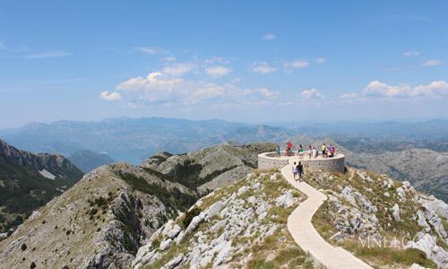 Индивидуальная экскурсия Монтенегротур Отпуск в Черногории Цетинье Ловчен Русский гид в Черногории